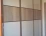 Vestavěná skříň Bílá vys. lesk SE2HG_dub Halifax H1176 ST37_úchytový profil oliva